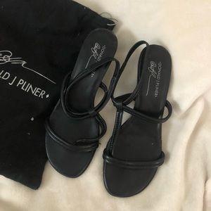 Donald J Pliner leather black straps low heel